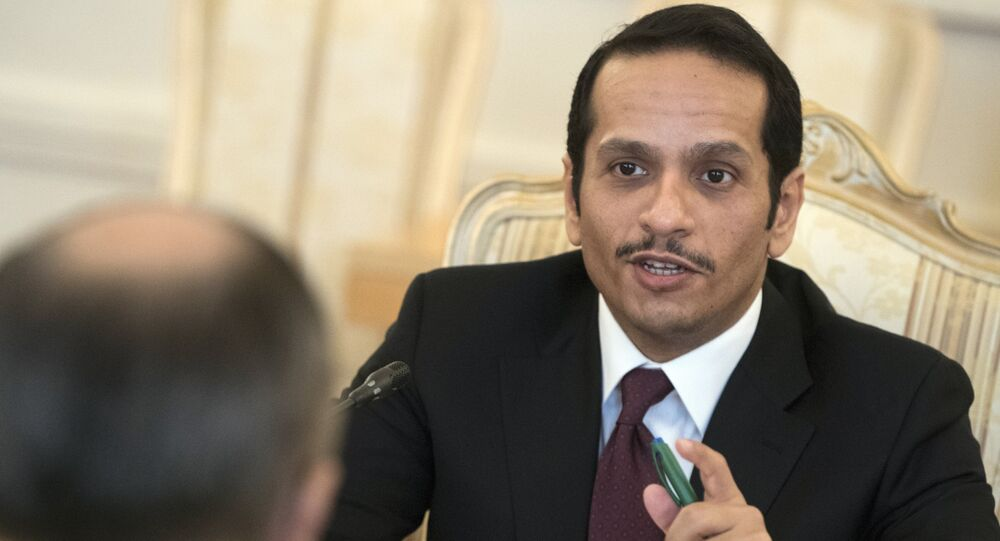 وزير الخارجية القطري محمد بن عبد الرحمن آل ثاني يتحدث إلى وزير الخارجية الروسية سيرغي لافروف