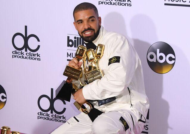 مغني الراب دريك (Drake)