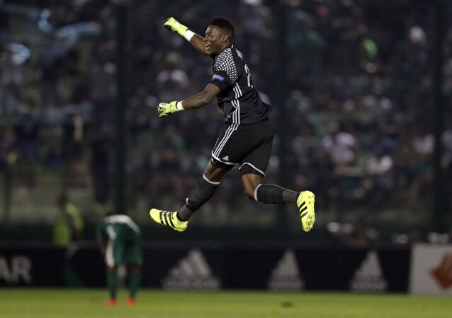 لاعب كرة القدم في نادي أياكس أمستردام الكاميروني أونانا أندري