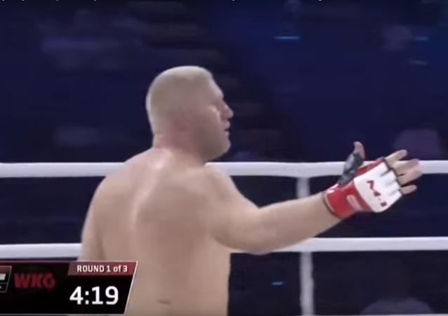 الروسي سيرغي خاريتونوف