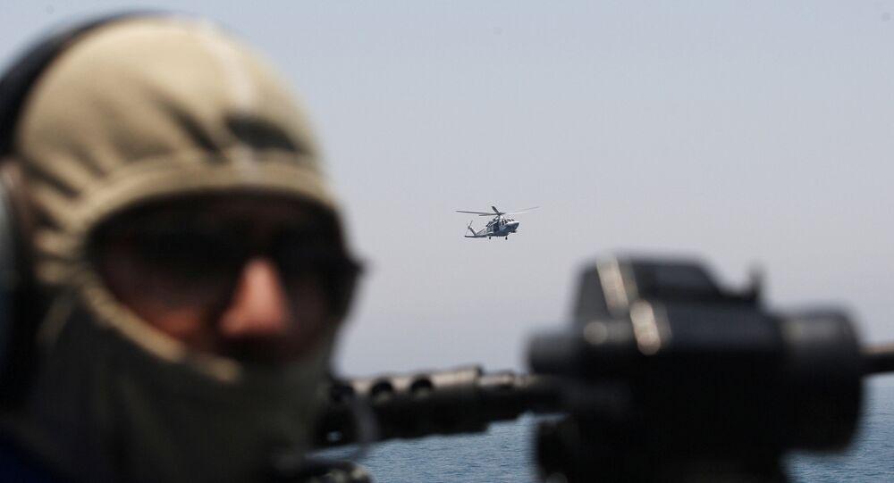 جندي قطري في مهمة تدريب مشتركة مع القوات الأمريكية
