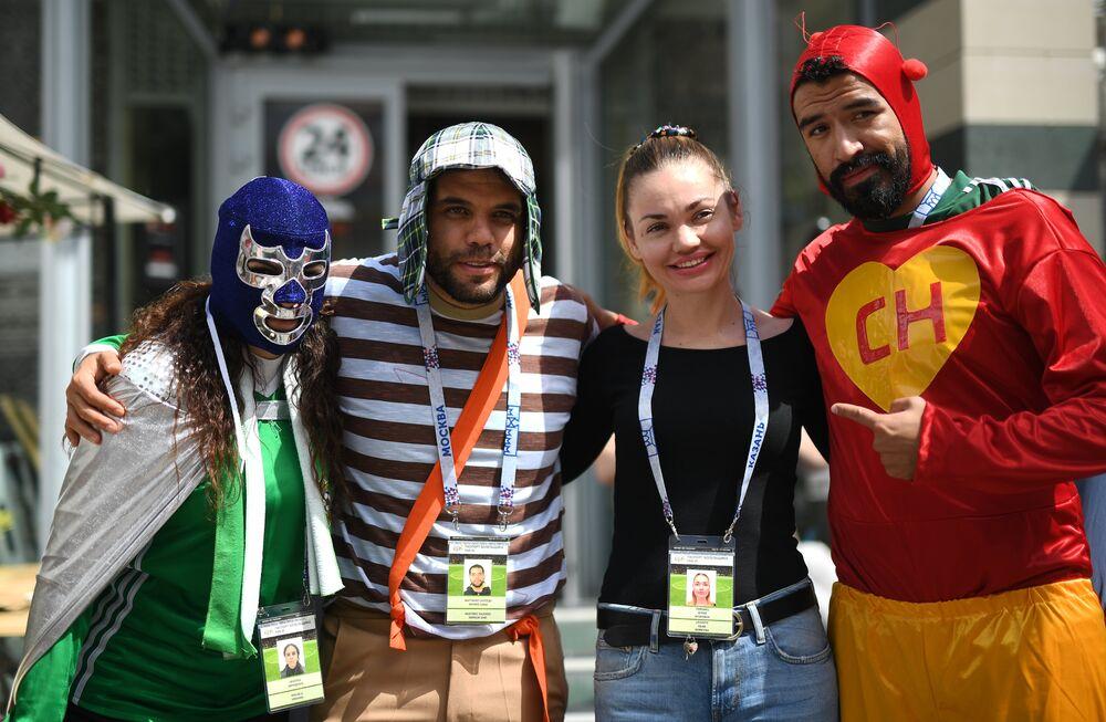 مشجعون مكسيكيون في مدينة قازان الروسية