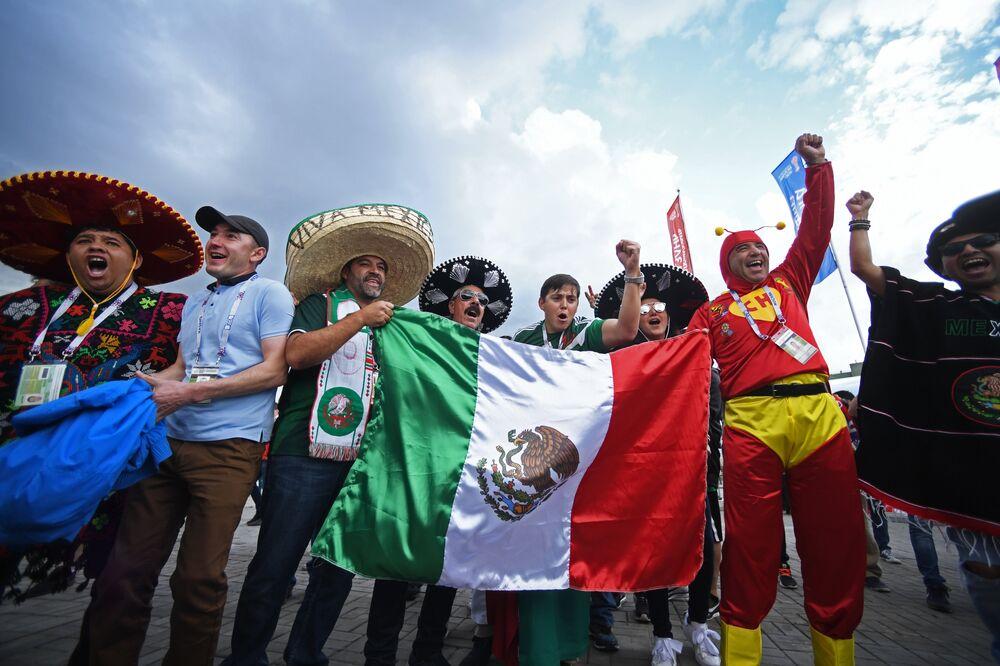 جماهير المنتخب المكسيكي في كأس القارات بروسيا