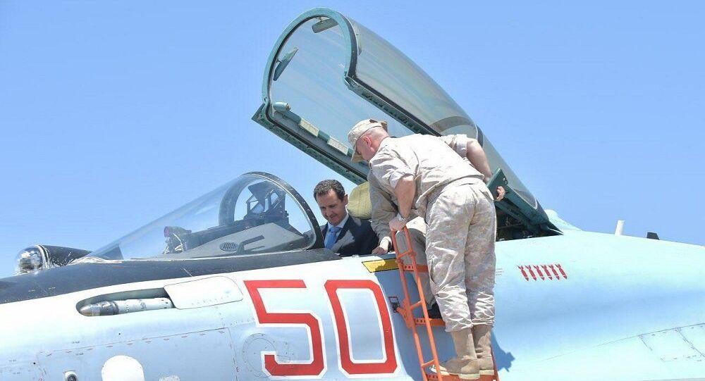 بشار الأسد في قاعدة حميميم