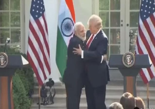 ترامب ورئيس الوزراء الهندي