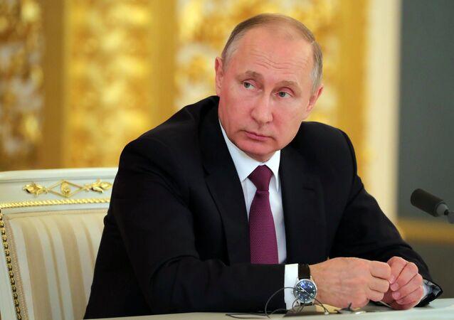 لقاء الرئيس الروسي فلاديمير بوتين ونظيره الصيني شي جين بينغ في موسكو في 4 يوليو/تيموز 2017