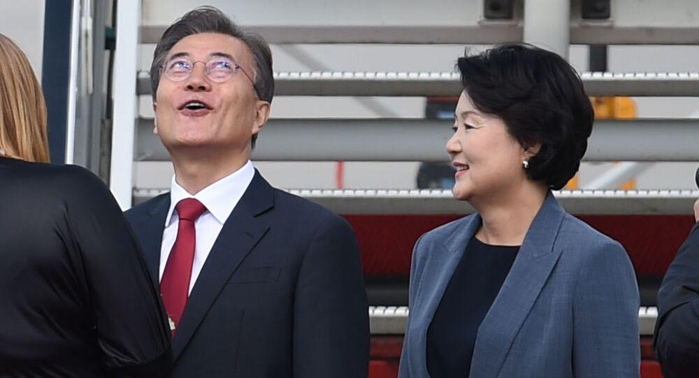 قمة مجموعة العشرين - رئيس كوريا الجنوبية مون جاي إن وزوجته كيم جونسوك في هامبورغ، ألمانيا 6 يوليو/ تموز 2017