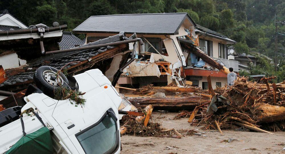 آثار ما بعد الأمطار الغزيرة والفياضانات في أساكورا، اليابان 6 يوليو/ تموز 2017