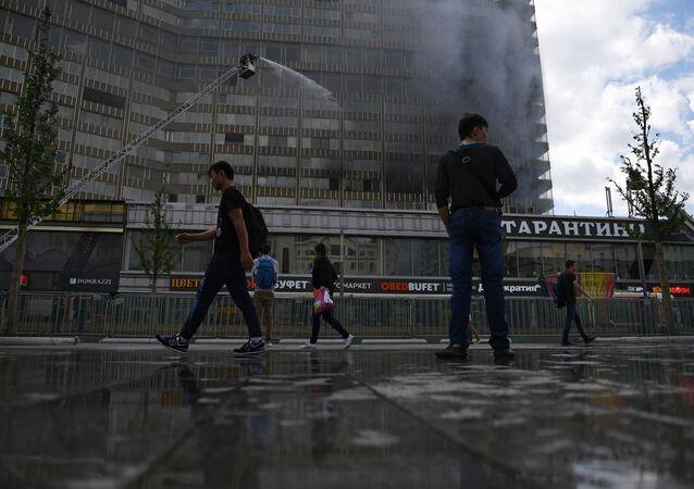 احتواء الحريق في أحد أبراج شارع نوفي أربات بموسكو