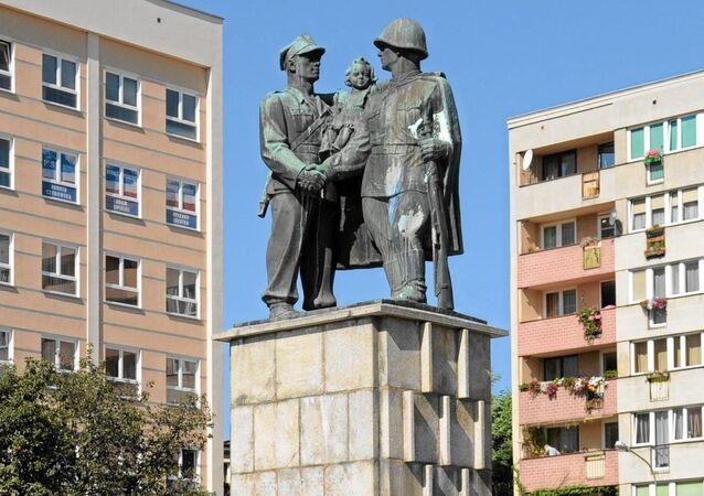 النصب التذكارية السوفيتية