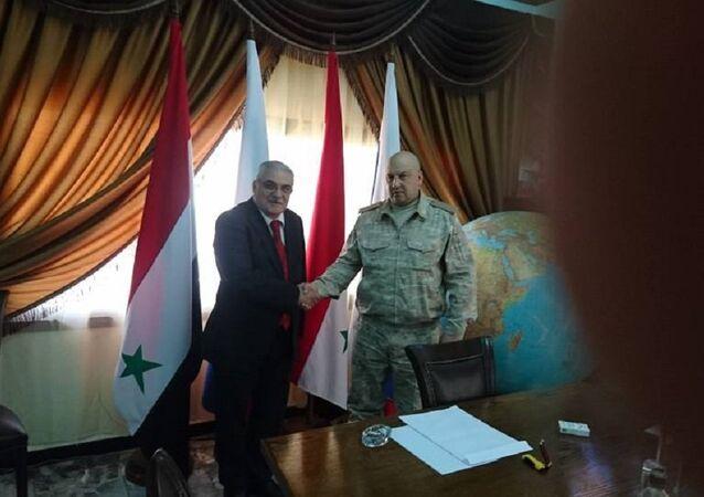 الفريق أول سيرغي سوروفيكين قائد القوات الروسية العاملة بسوريا يستقبل الدكتور اليان مسعد رئيس وفد حميميم إلى مفاوضات جنيف