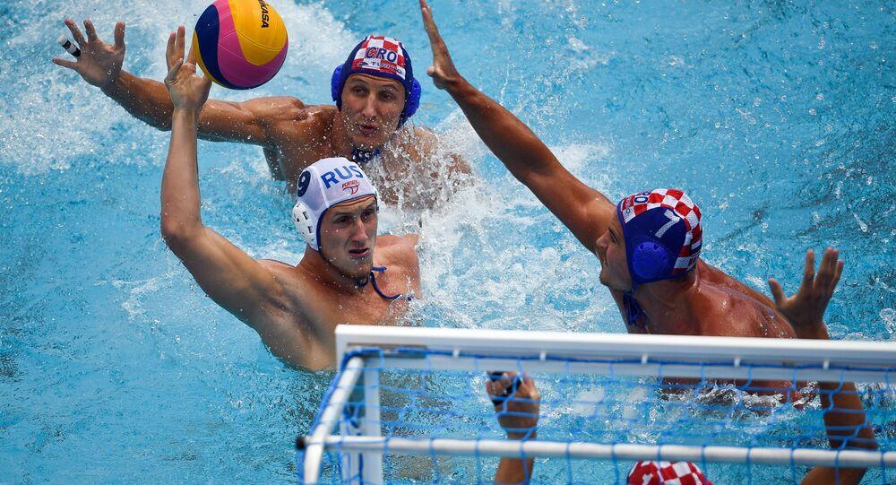 فريق كرة الماء الروسي خلال المرحلة الثانية لبطولة كرة الماء في إطار بطولة العالم للسباحة في بودابست