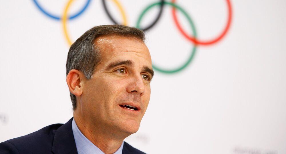 رئيس بلدية لوس انجليس اريك غارسيتي