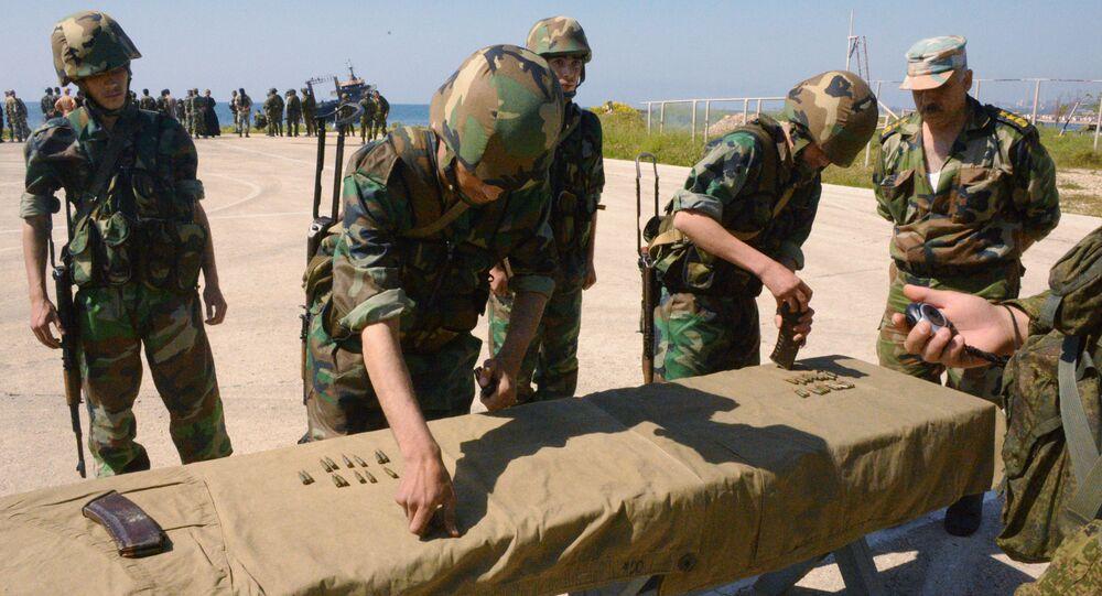 جنود روس وسوريون في طرطوس