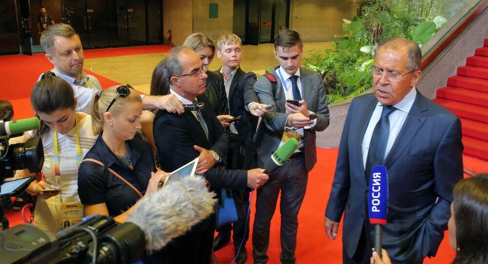 وزير الخارجية سيرغي لافروف في مانيلا
