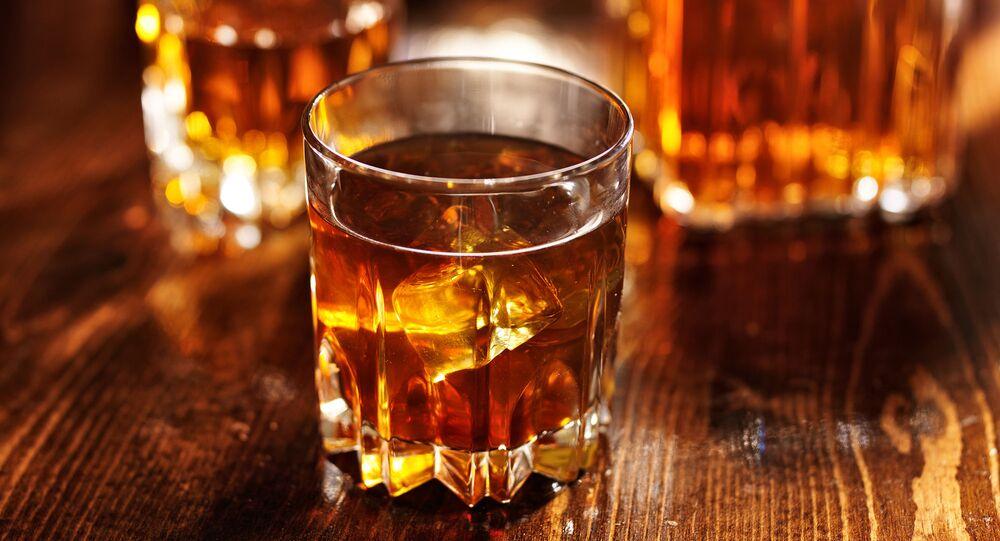 كأس من الويسكي