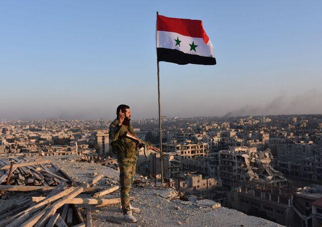 جندي من الجيش السوري في مدينة حلب