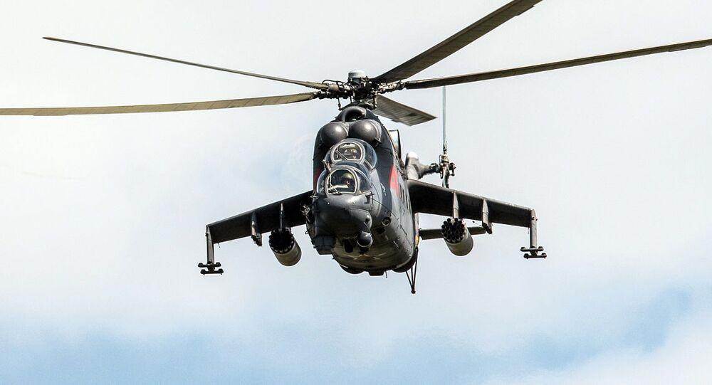 المروحية مي-24 خلال المناورات في الحقل العسكري ألاغياز بجمهورية أرمينيا