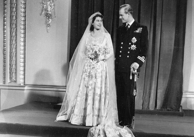 الملكة اليزابيث الثانية في حفل زفافها