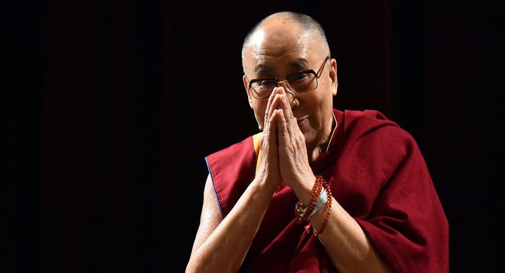 الزعيم الروحي لأتباع البوذية التبتية، الدالاي لاما