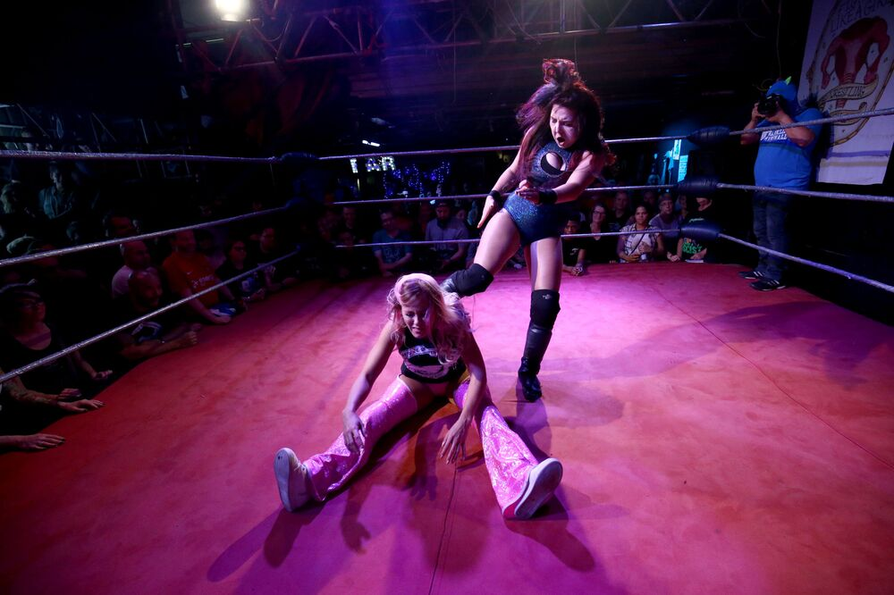عرض المصارعة النسائية في لندن