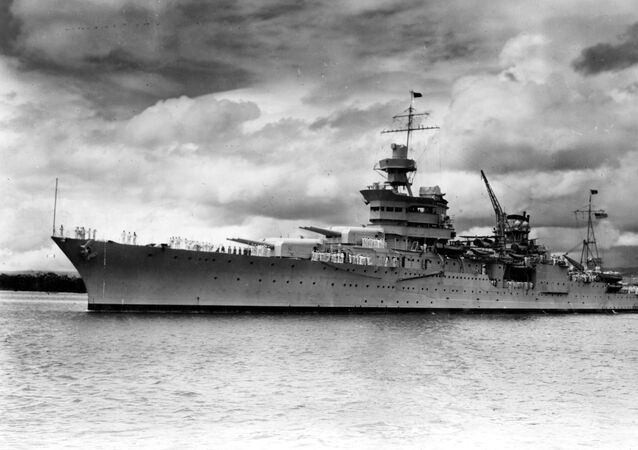 السفينة الحربية الأمريكية إنديانابوليس