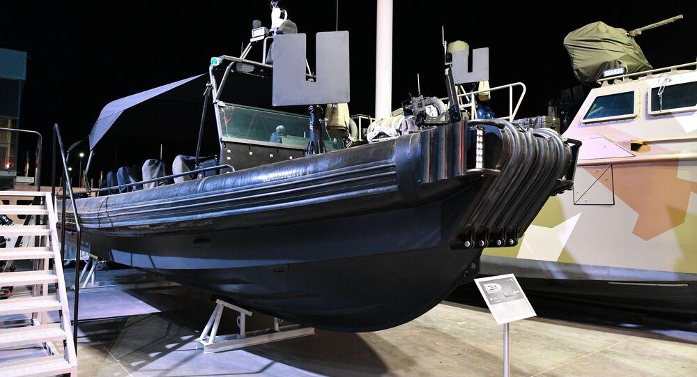 قارب هجومي فائق السرعة بي كا -10 في إطار عرض لأحدث تقنيات كلاشينكوف المتطورة في منتدى الجيش-2017