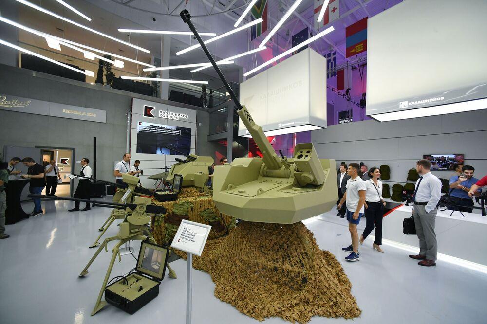 وحدة التحكم القتالي عن بعد ذات عيار 30 ملم في إطار عرض لأحدث تقنيات كلاشينكوف المتطورة في منتدى الجيش-2017