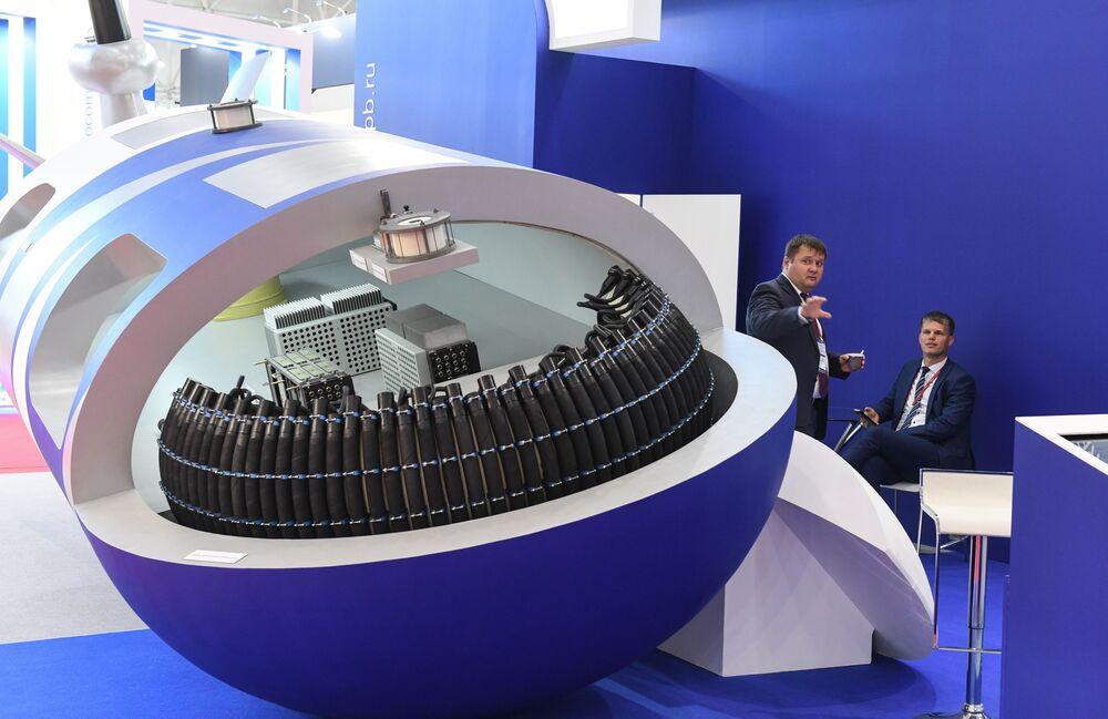 المعرض الدولي لمنتدى أرميا-2017 في كوبينكا بضواحي موسكو - النظام الإليكتروني الموحد للأسلحة الإلكترونية للغواصات ذاتية التشغيل