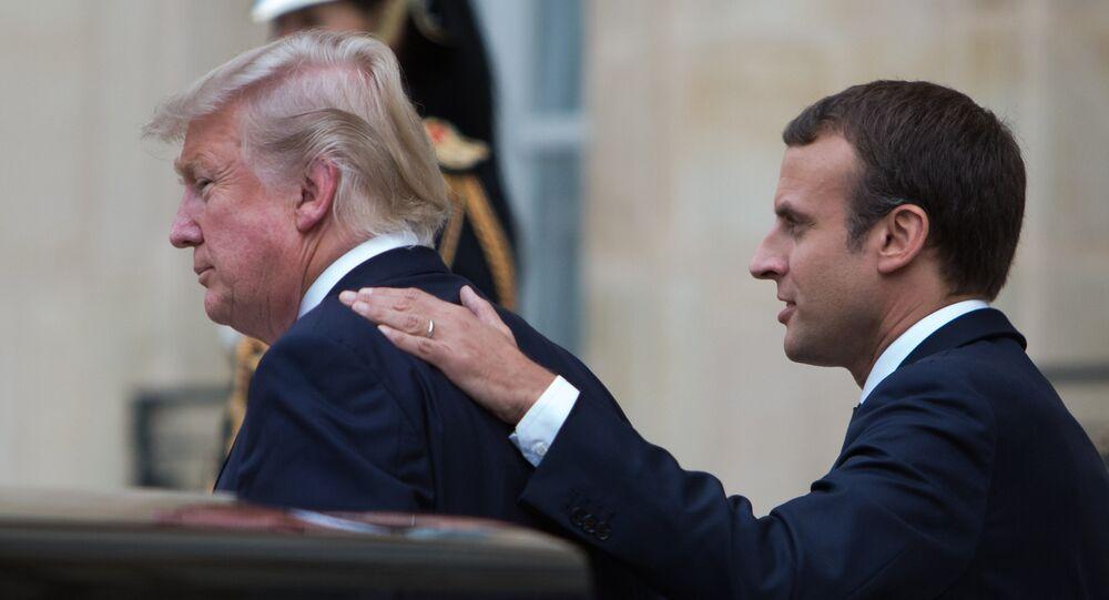 الرئيس الفرنسي إيمانويل ماكرون والرئيس الأمريكي دونالد ترامب في باريس، فرنسا