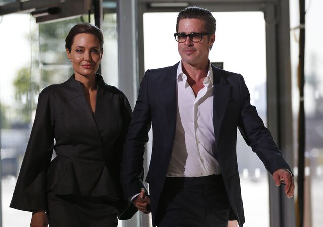 براد بيت وأنجلينا جولي في القفص الذهبي من جديد