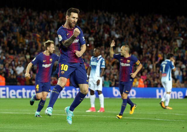 ميسي يسجل ضد اسبانيول