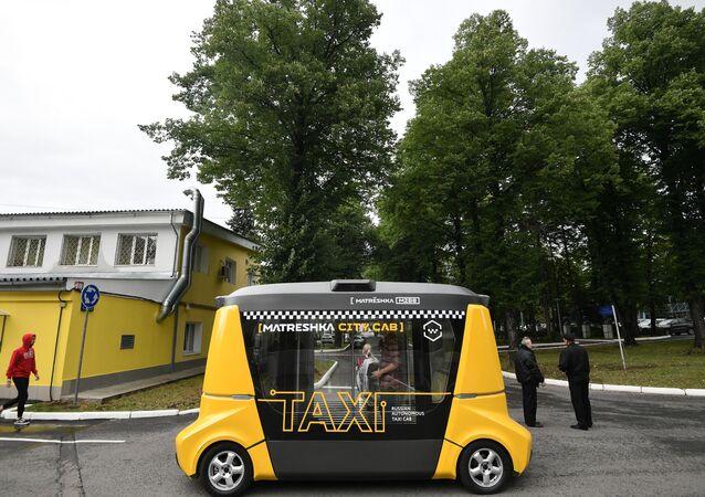 سيارة أجرة مسيرة ماتريوشكا