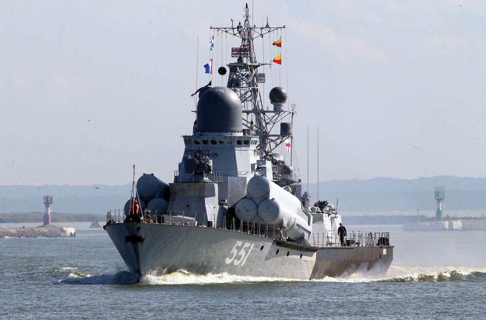 مناورات الغرب-2017 بين روسيا وبيلاروسيا - سفينة صغيرة ليفين حاملة الصواريخ