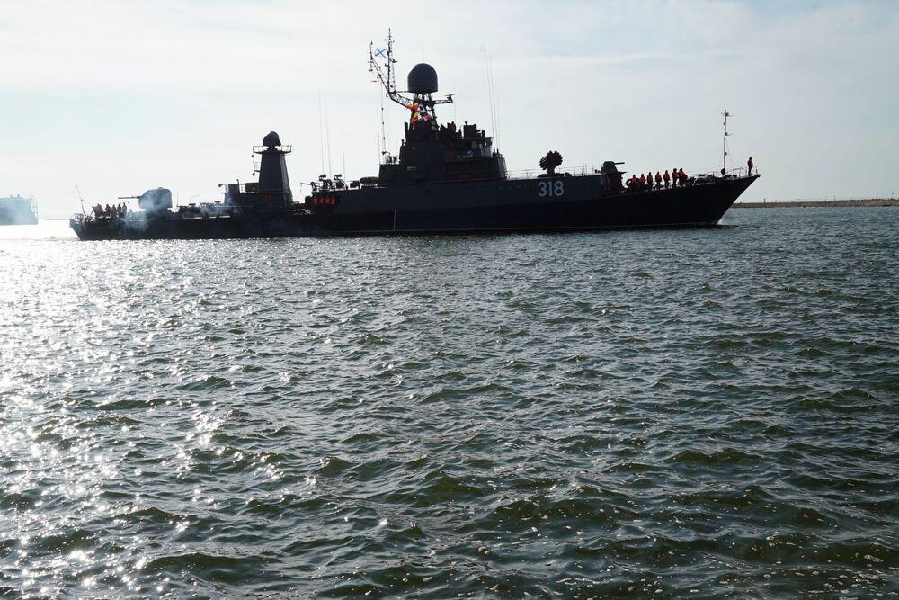 مناورات الغرب-2017 بين روسيا وبيلاروسيا - سفينة مضادة للغواصات أليكسين
