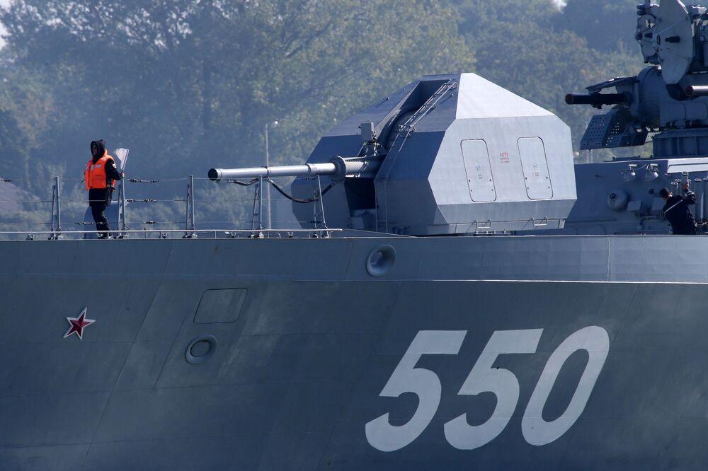 خروج سفن أسطول بحر البلطيق إلى البحر في إطار تدريبات زاباد
