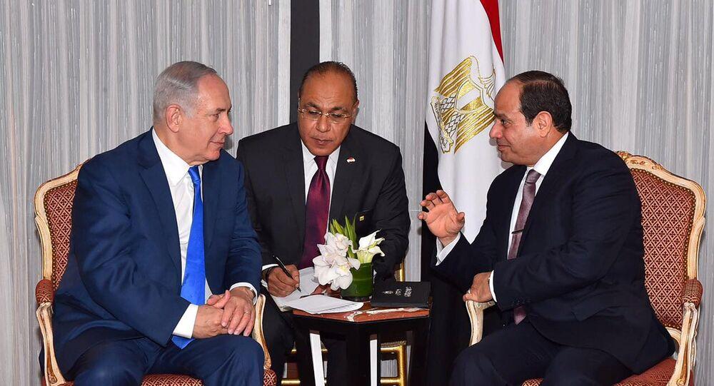 الرئيس المصري السيسي ورئيس الوزراء الإسرائيلي نتنياهو