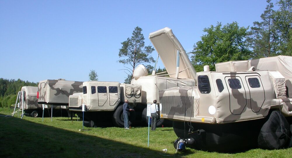 معدات عسكرية مطاطية منفوخة