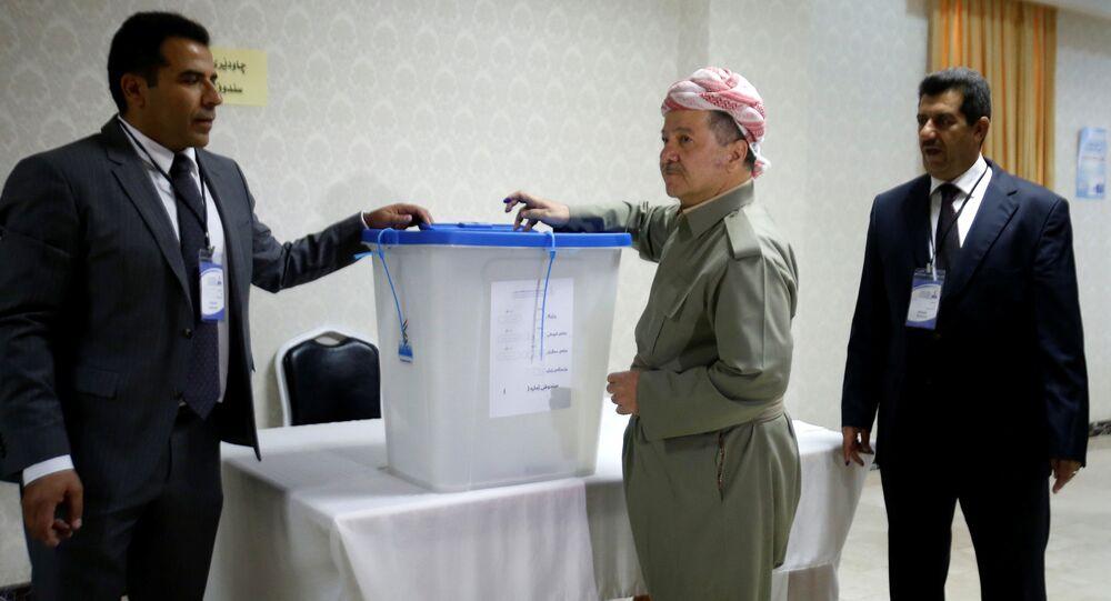 مسعود برزاني يدلي بصوته