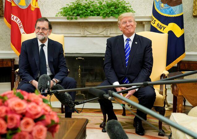 ترامب مع رئيس الوزراء الاسباني ماريانو راخوي