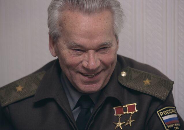 ميخائيل كلاشنيكوف، مخترع رشاش كلاشنيكوف
