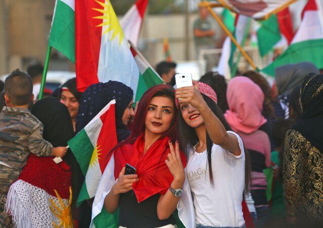 فتيات كرديات خلال التصويت في استفتاء إقليك كردستان، العراق 25 سبتمبر/ أيلول 2017