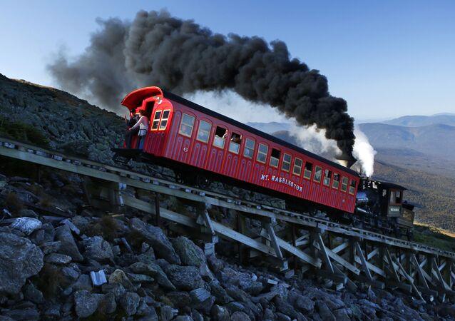 قطار قديم يصل بالركماب إلى جبل واشنطن في نيوهامبشير، الولايات المتحدة، 24 سبتمبر/ أيلول 2017