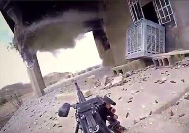 داعشي يوثق لحظة مقتله
