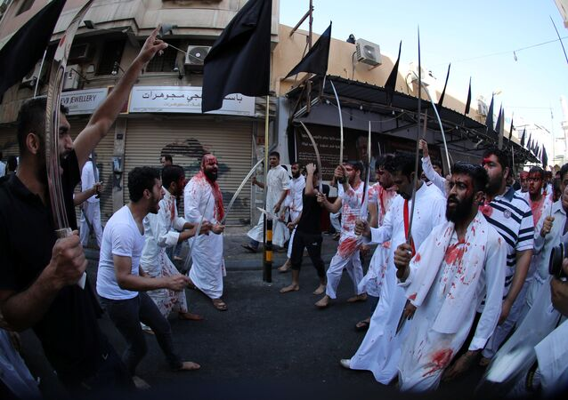 الاحتفال بذكرى عاشوراء في المنامة