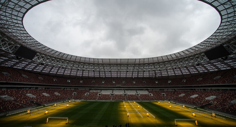 تفقد جاهزية ملعب لوجنيكي في موسكو لبطولة كأس العالم لكرة القدم-2018