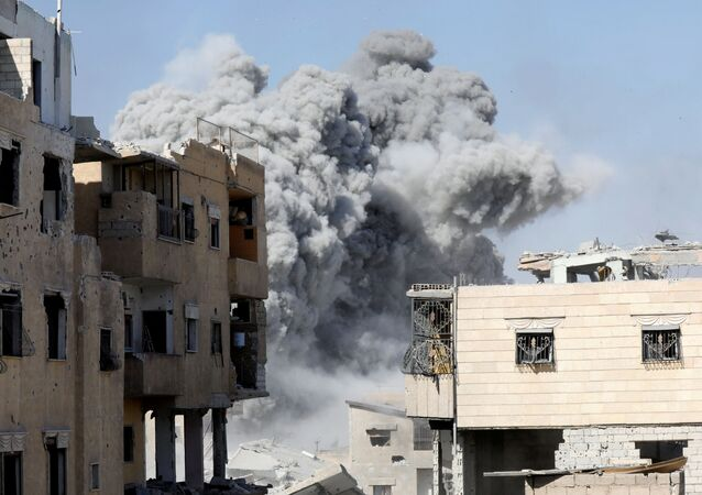ضربة جوية لقوات التحالف في الرقة، سوريا 4 أكتوبر/ تشرين الأول 2017