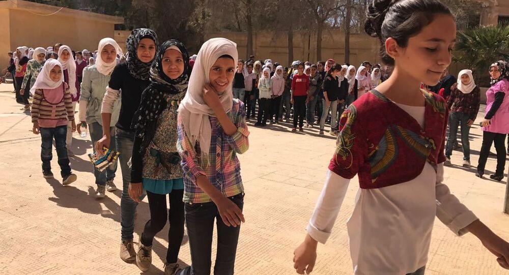 مدرسة للإناث في دير الزور، سوريا