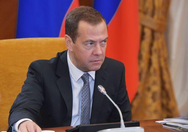ديمتري ميدفيديف