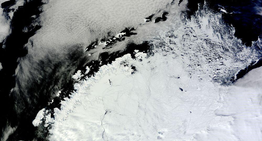 الحفرة في القارة القطبية الجنوبية